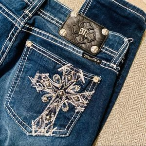 Miss Me Cross Pocket Jeggings
